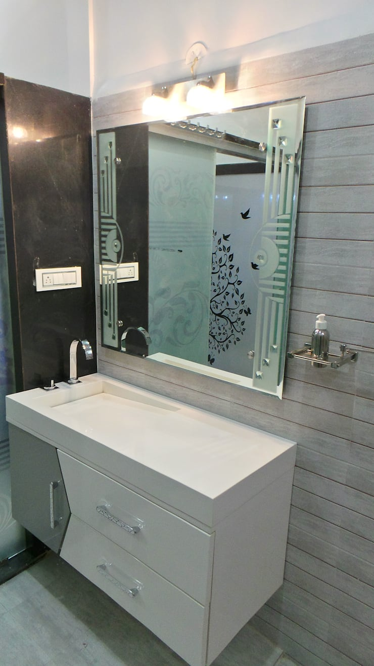 Bathroom by Shadab Anwari & Associates.,