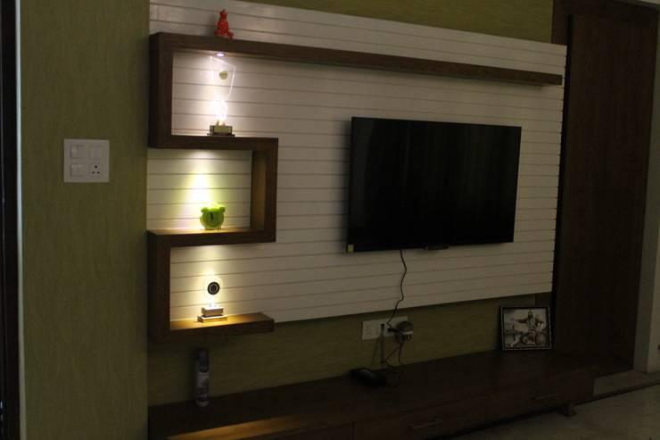 Residential interiors:  Bedroom by Ingenious,Modern