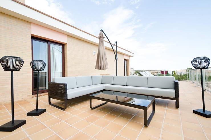 Varanda, alpendre e terraço  por Simple Taste Interiors