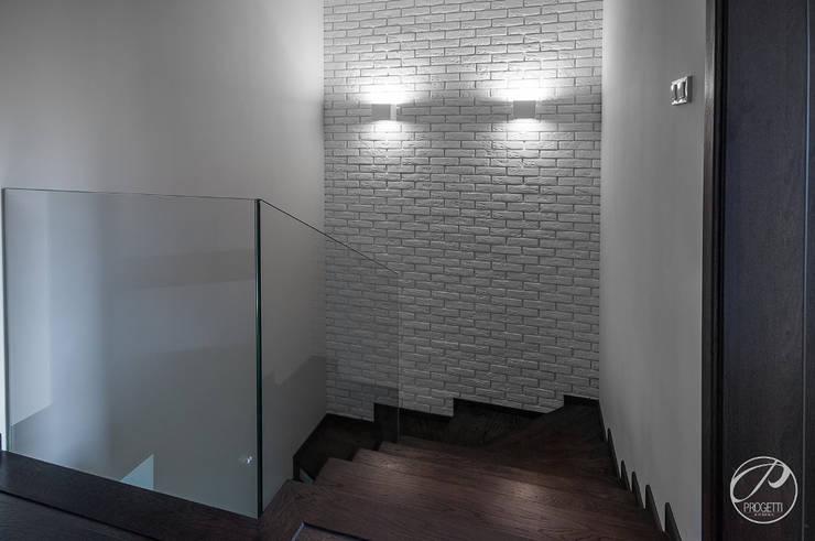 Pasillos, vestíbulos y escaleras de estilo moderno de Progetti Architektura Moderno