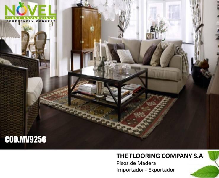 PISO FLOTANTE NOVEL DE 12MM: Paredes y pisos de estilo  por THE FLOORING COMPANY S.A