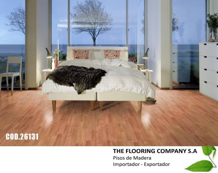 Paredes y pisos de estilo  por THE FLOORING COMPANY S.A