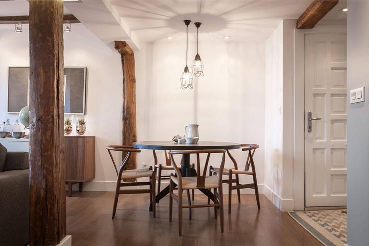 Столовые комнаты в . Автор – Estibaliz Martín Interiorismo, Модерн Дерево Эффект древесины