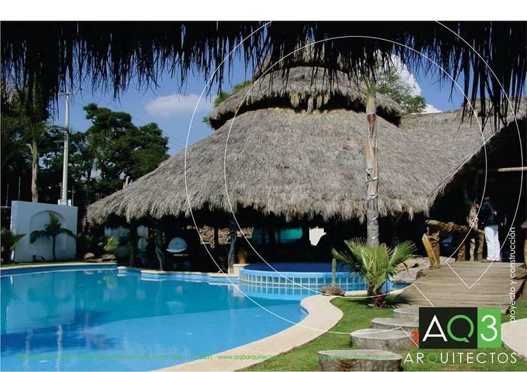 Residencia El Trébol:: Albercas de estilo  por AQ3 Arquitectos