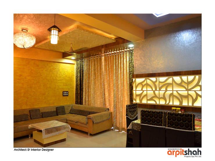 Hirenbhai@Gandhinagar:  Living room by ARPIT SHAH PROJECTS OPC PVT LTD.