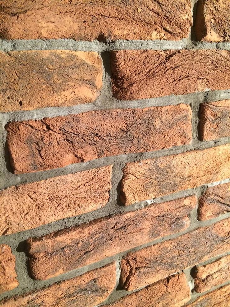 กำแพง โดย ITA Poland s.c., ชนบทฝรั่ง อิฐหรือดินเผา