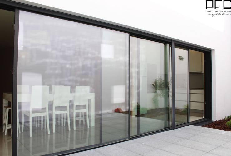 CASA JA_PÓVOA DE VARZIM_2015: Casas  por PFS-arquitectura