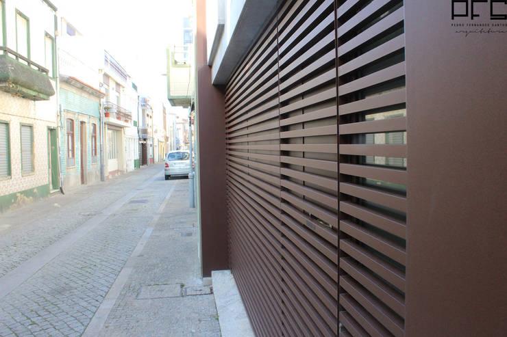 CASA JM_PÓVOA DE VARZIM_2011: Casas  por PFS-arquitectura