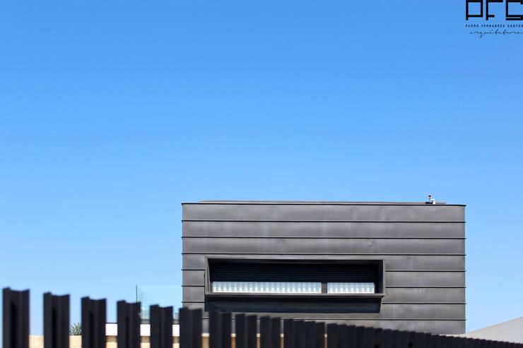 CASA DA_PÓVOA DE VARZIM_2011: Casas  por PFS-arquitectura