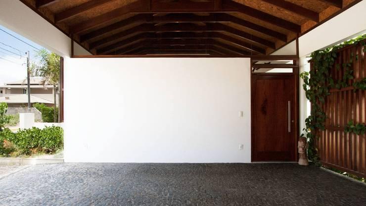 Maisons de style  par Coletivo de Arquitetos