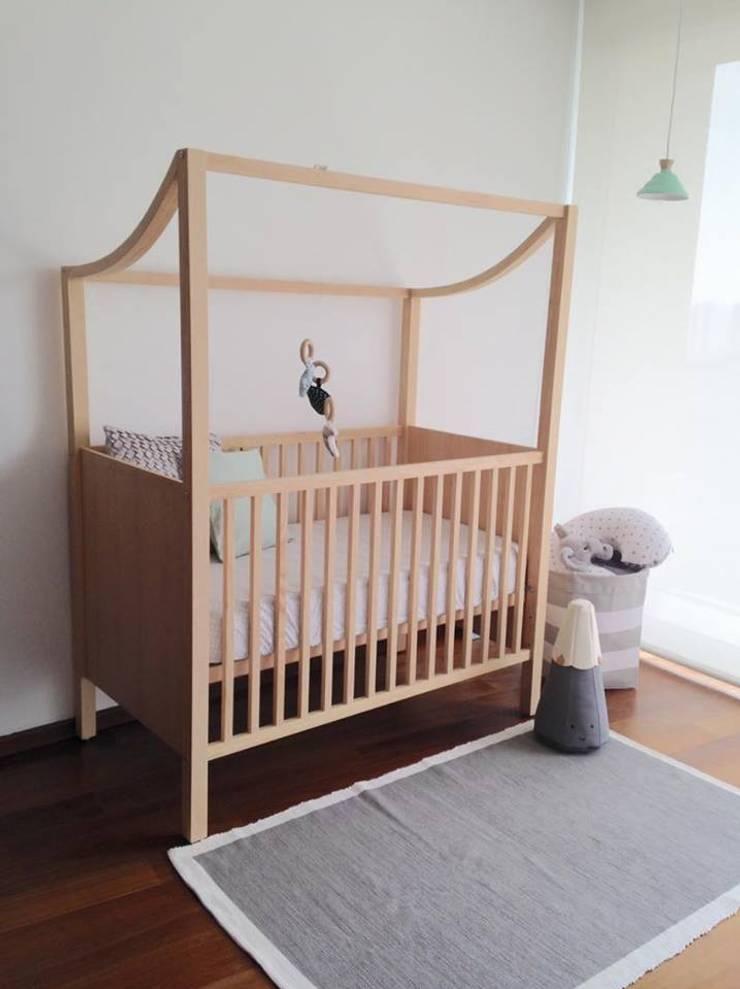 Javier: Habitaciones infantiles de estilo  por Akún