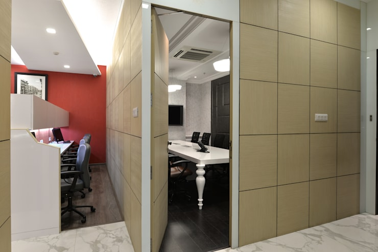 9 Globe office interiors:  Offices & stores by Aum Architects