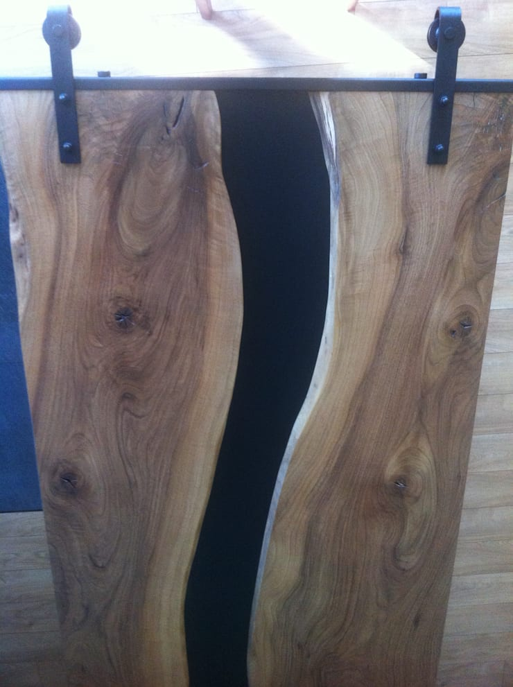 UNIKATOWE DRZWI PRZESUWNE: styl , w kategorii  zaprojektowany przez WOOD ACCENT,Nowoczesny Drewno O efekcie drewna