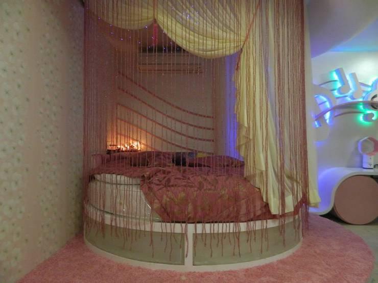 Bedroom by Vinyaasa Architecture & Design,