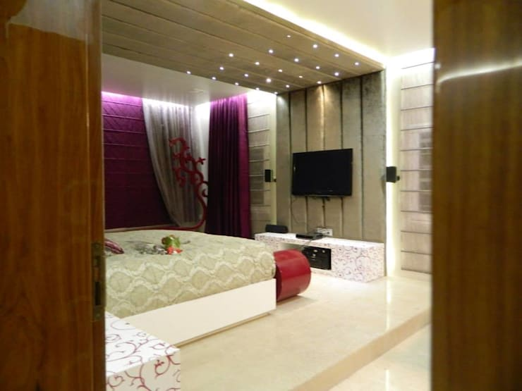 high end house interior:  Bedroom by Vinyaasa Architecture & Design