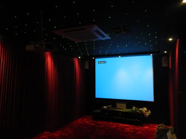 high end house interior:  Media room by Vinyaasa Architecture & Design,