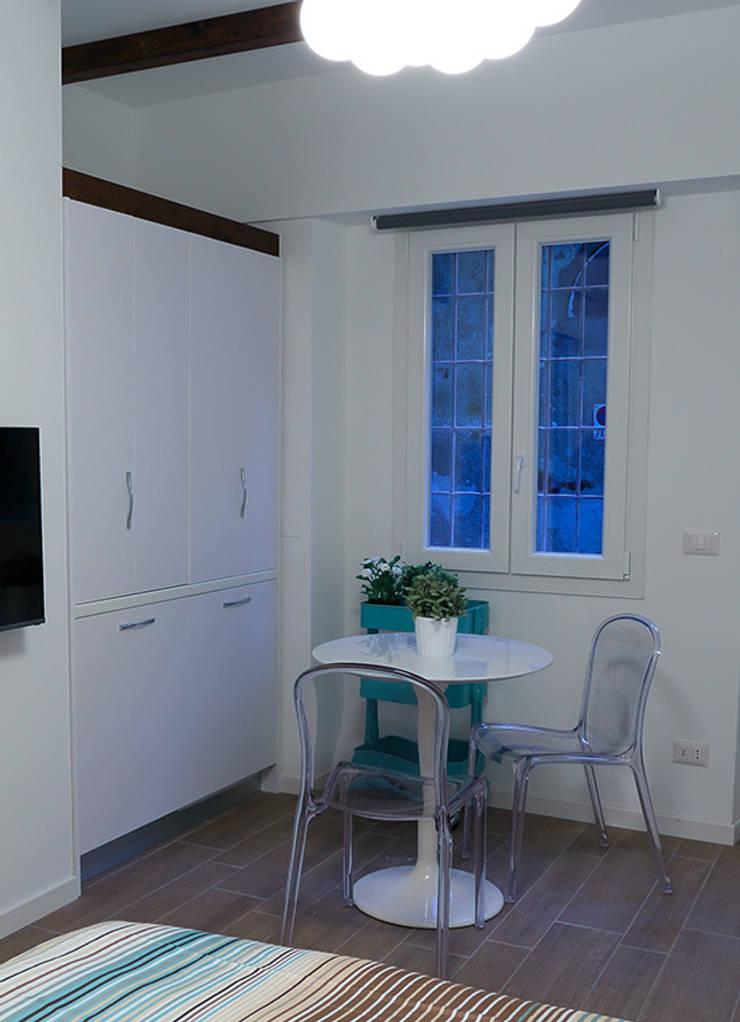 Mini cucina a scomparsa monoblocco da cm.125 con ante – MINICUCINE ...