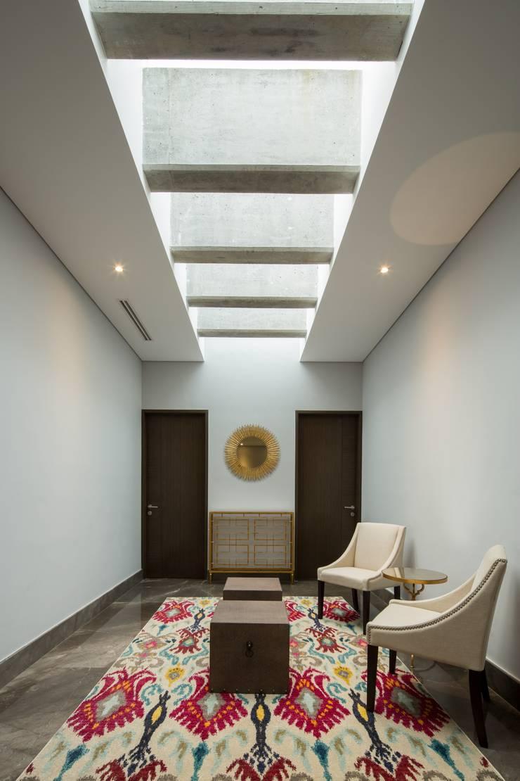 Sala: Salas de estilo  por URBN