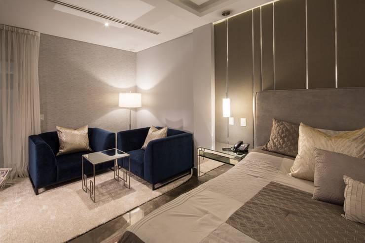 Dormitorios de estilo  por URBN