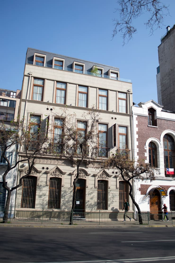 Hotel Boutique Su Merced: Casas de estilo moderno por EARQ