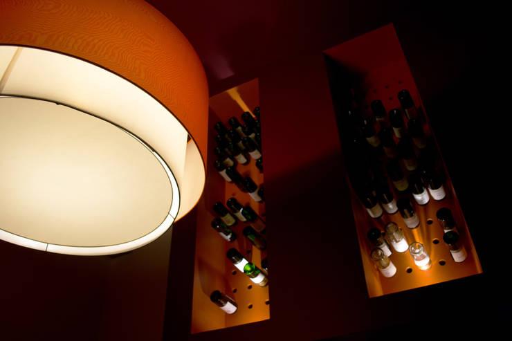 Hotel Boutique Su Merced: Paredes de estilo  por EARQ