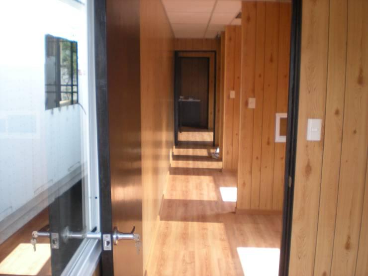 Plataformas Gruas Zavala: Estudios y oficinas de estilo  por GRUPO DYC