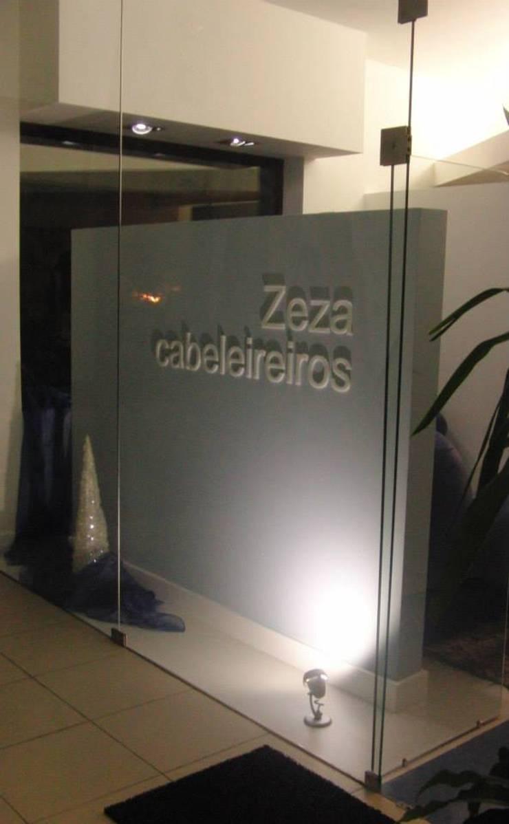 Exterior - Hall de Entrada :   por Judite Barbosa Arquitetura