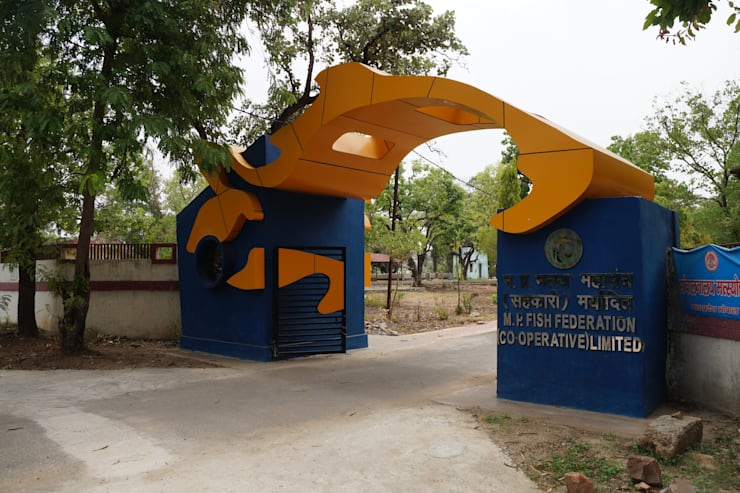 fish federation's entrance gate: modern Houses by Vinyaasa Architecture & Design