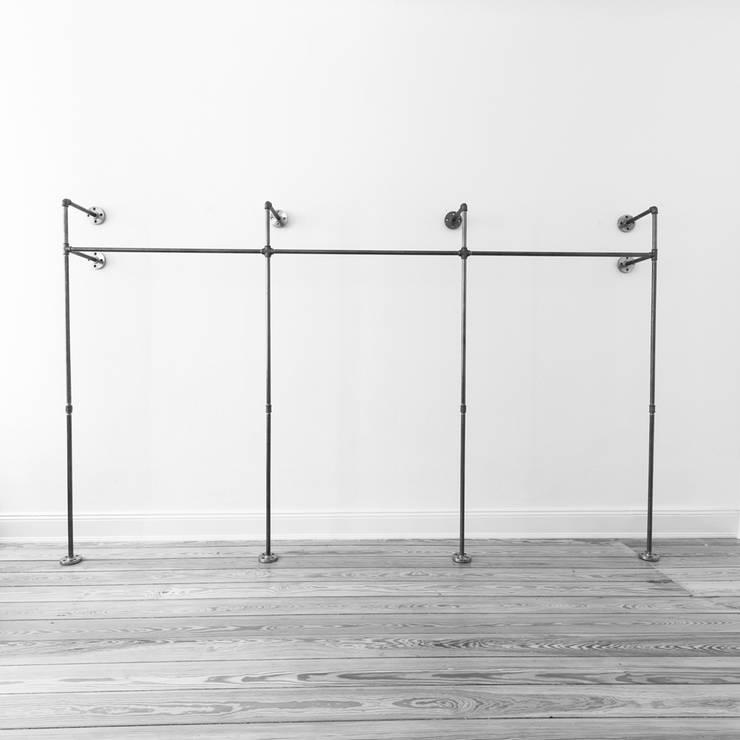 Offener Kleiderschrank TRIPLE HIGH: industriale Schlafzimmer von various - Design aus Stahlrohr
