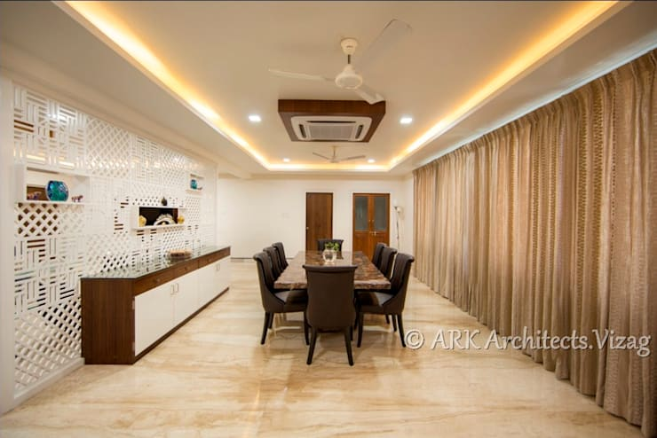 Dinning:  Dining room by ARK Architects & Interior Designers