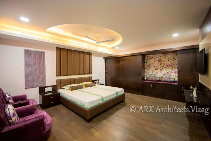 Bunglow at VIP Road:  Bedroom by ARK Architects & Interior Designers