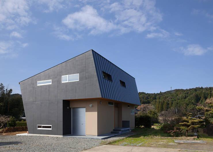 modern Houses by 田村の小さな設計事務所