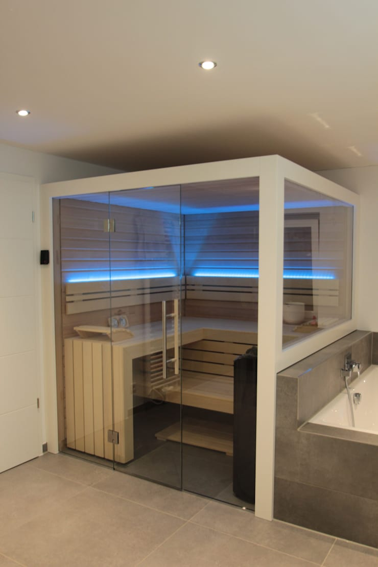 Maßgeschneiderte Sauna im Badezimmer von Wellness & More GmbH | homify