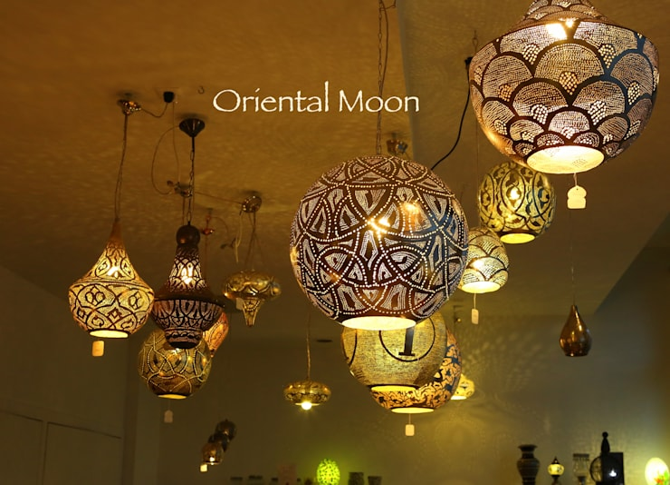 eclectic Living room تنفيذ Oriental Moon