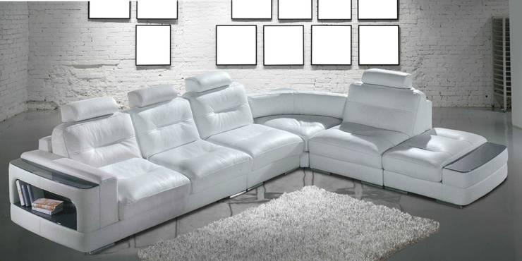 http://intense-mobiliario.com/pt/sofas-de-canto/9682-sofa-de-canto-adiragram.html: Sala de estar  por Intense mobiliário e interiores;