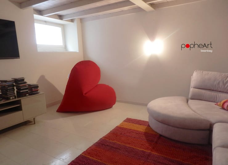popheArt  beanbag: Soggiorno in stile  di design Inmovimento