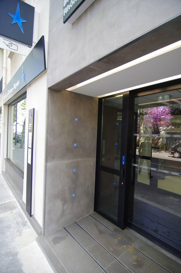 Galerías y espacios comerciales de estilo  por Pierre Bernard Création