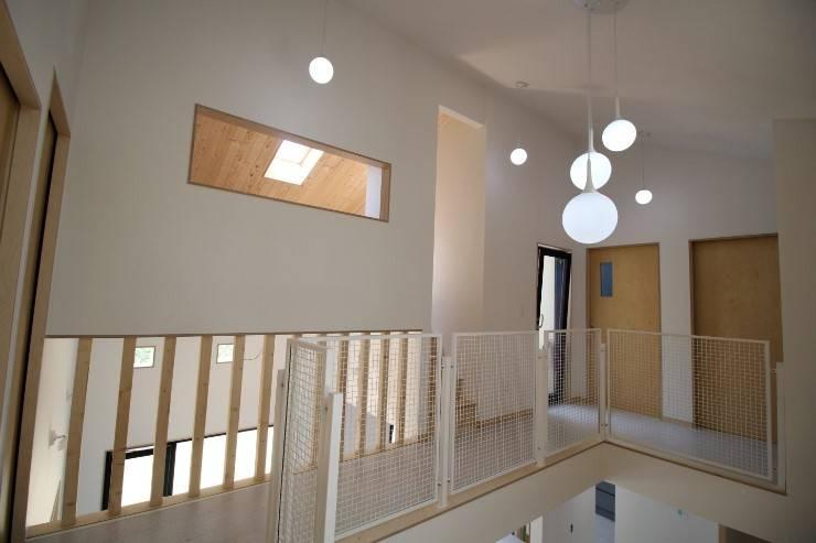 2층복도: 봄 하우스플랜 의  복도 & 현관