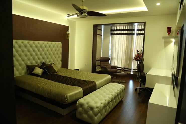 Master Bedroom :  Bedroom by Studio Stimulus