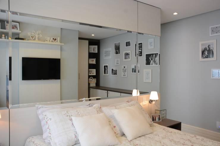 Chambre de style de style Moderne par Expace - espaços e experiências