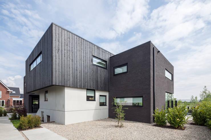 Villa Montfoort:  Huizen door Station-D Architects