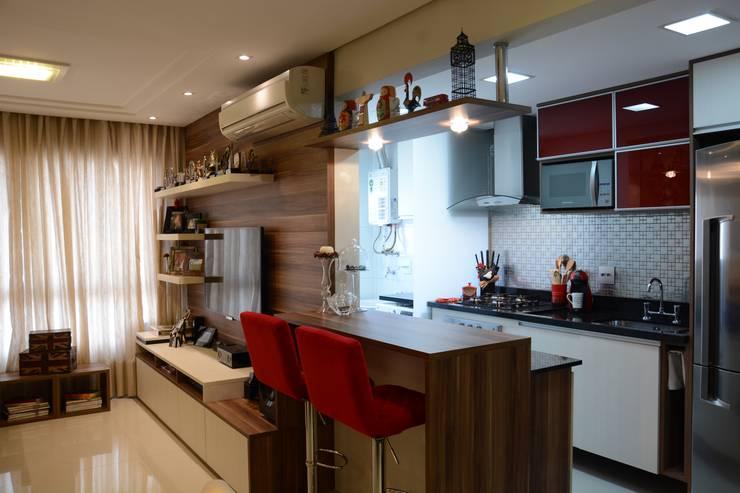 Projeto Residencial: Cozinhas modernas por Expace - espaços e experiências