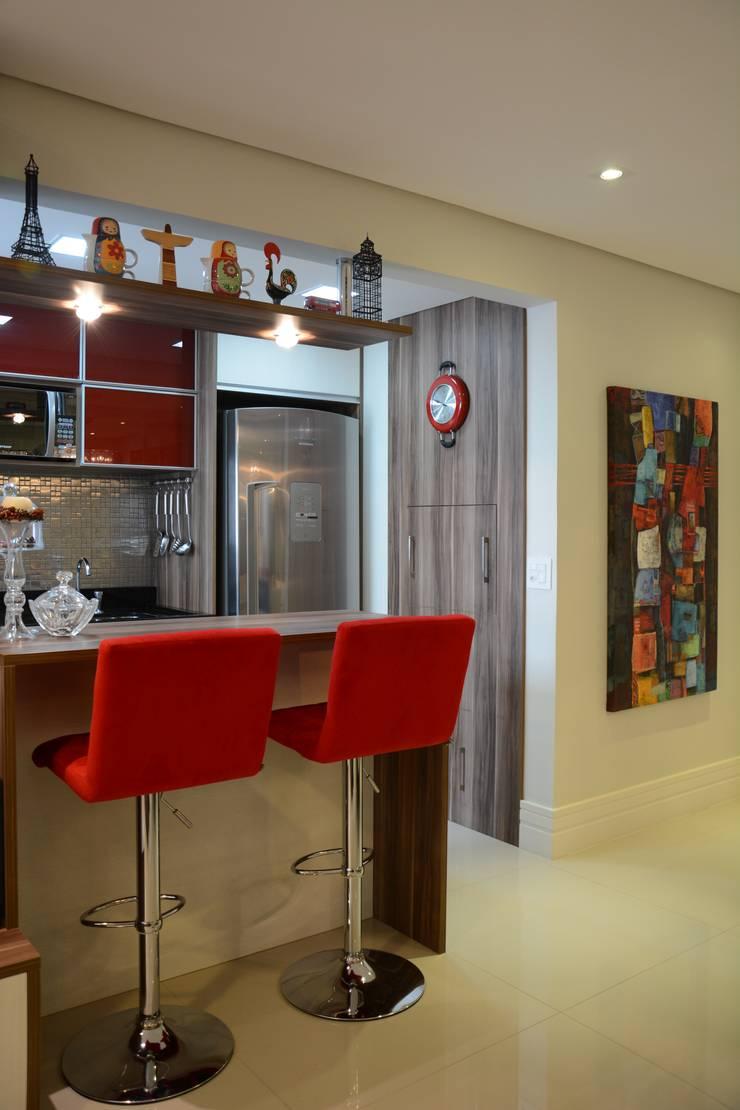 Dapur oleh Expace - espaços e experiências, Modern