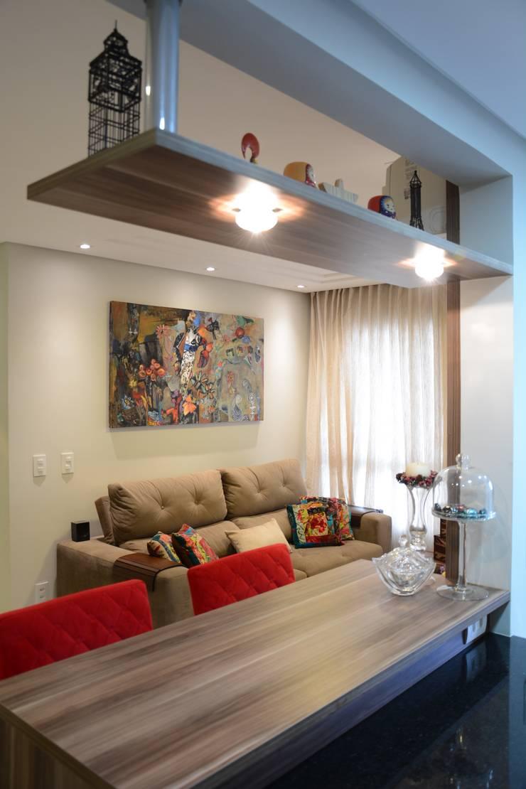 Ruang Keluarga oleh Expace - espaços e experiências, Modern