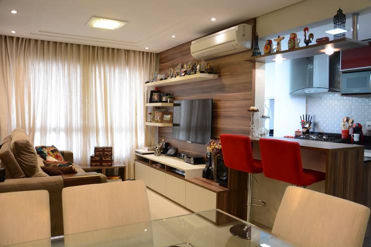 Living room by Expace - espaços e experiências