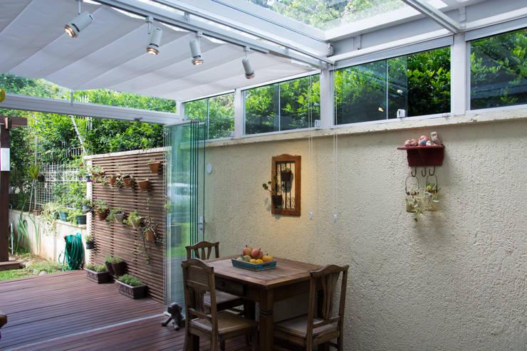 Terrazas de estilo  por Expace - espaços e experiências
