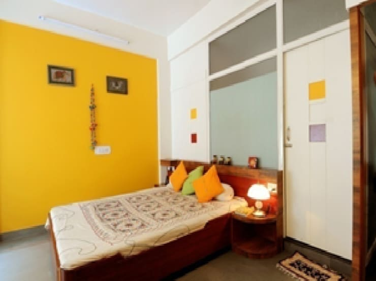 Master Bed Room : classic Bedroom by Nishtha interior