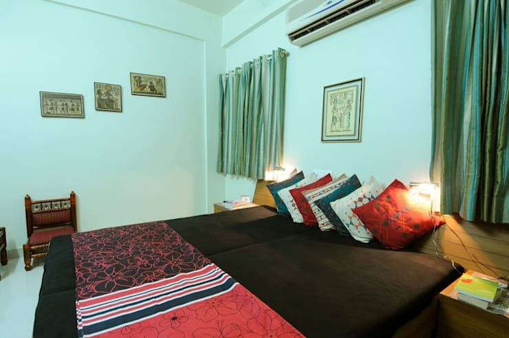 Master BedRoom 2 : classic Bedroom by Nishtha interior