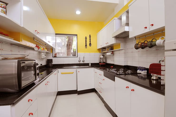 Modern Style Kitchen :  Kitchen by Nishtha interior