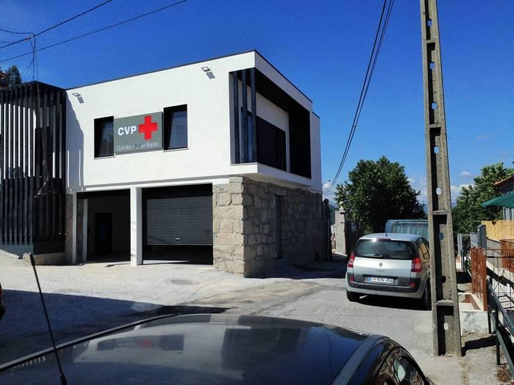 Cruz Vermelha - Gandarela de Basto:   por Engebasto - Atividades de Engenharia e Arquitetura, Lda